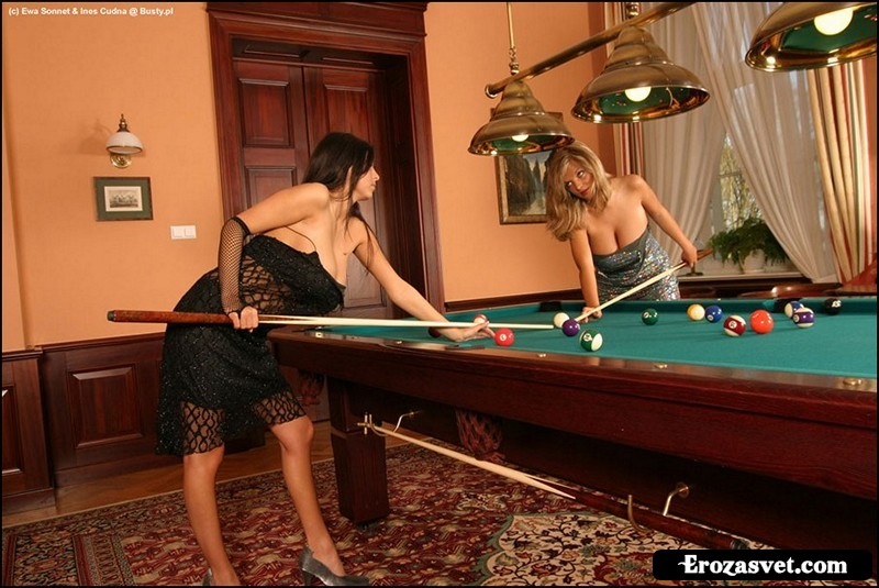Эро фотосет Ewa Sonnet - Ines - Billiards (19 эро фото)