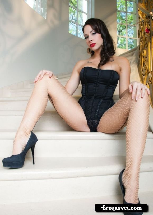 Chanel Preston  Staircase To Preston