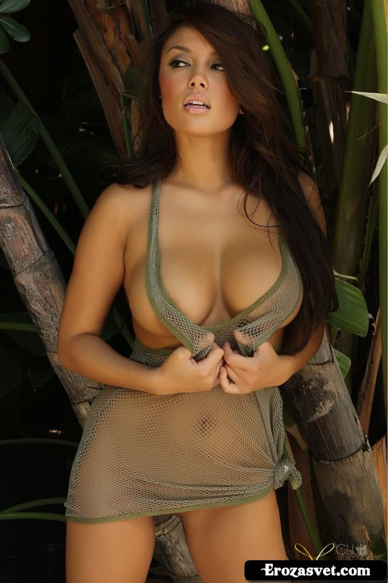 Снимки красивой эро тёлки Club Justene Jaro Mesh Jungle