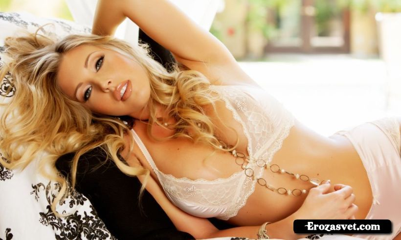 Samantha Saint  Awake Sex