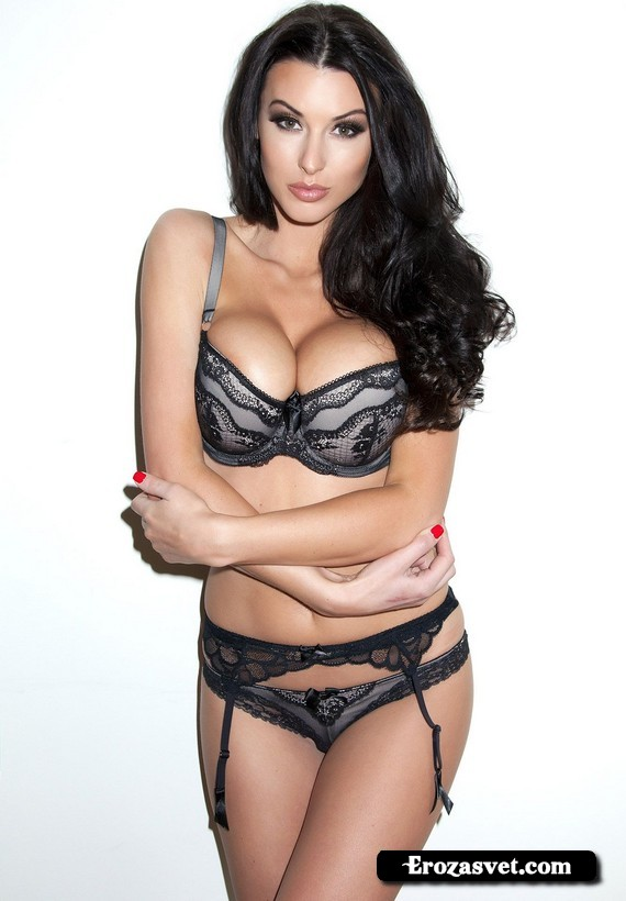 Молодая милашка Alice Goodwin Perfection интим pictures