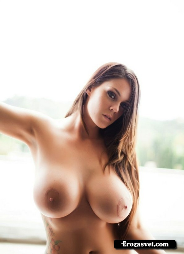 Интим засветы Alison Tyler Big Tits On Display sex pictures