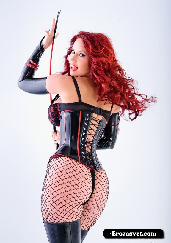 Большие сиськи Bianca Beauchamp All Curves эротик снимки