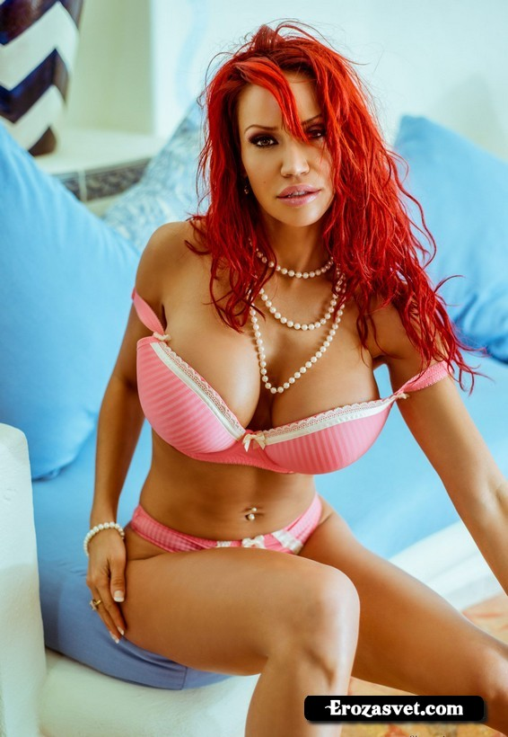 Молодая дама Bianca Beauchamp Lingerie Temptation sex pictures