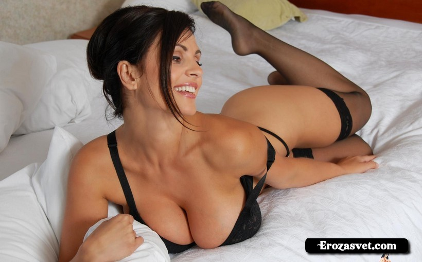 Большие сиськи Denise Milani Business Busty ero снимки
