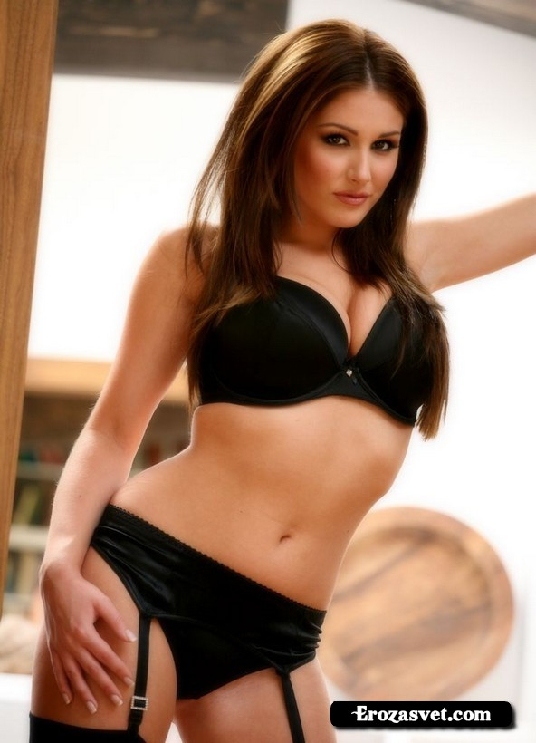 Милая тёлка Lucy Pinder Sexy Lingerie секс снимки